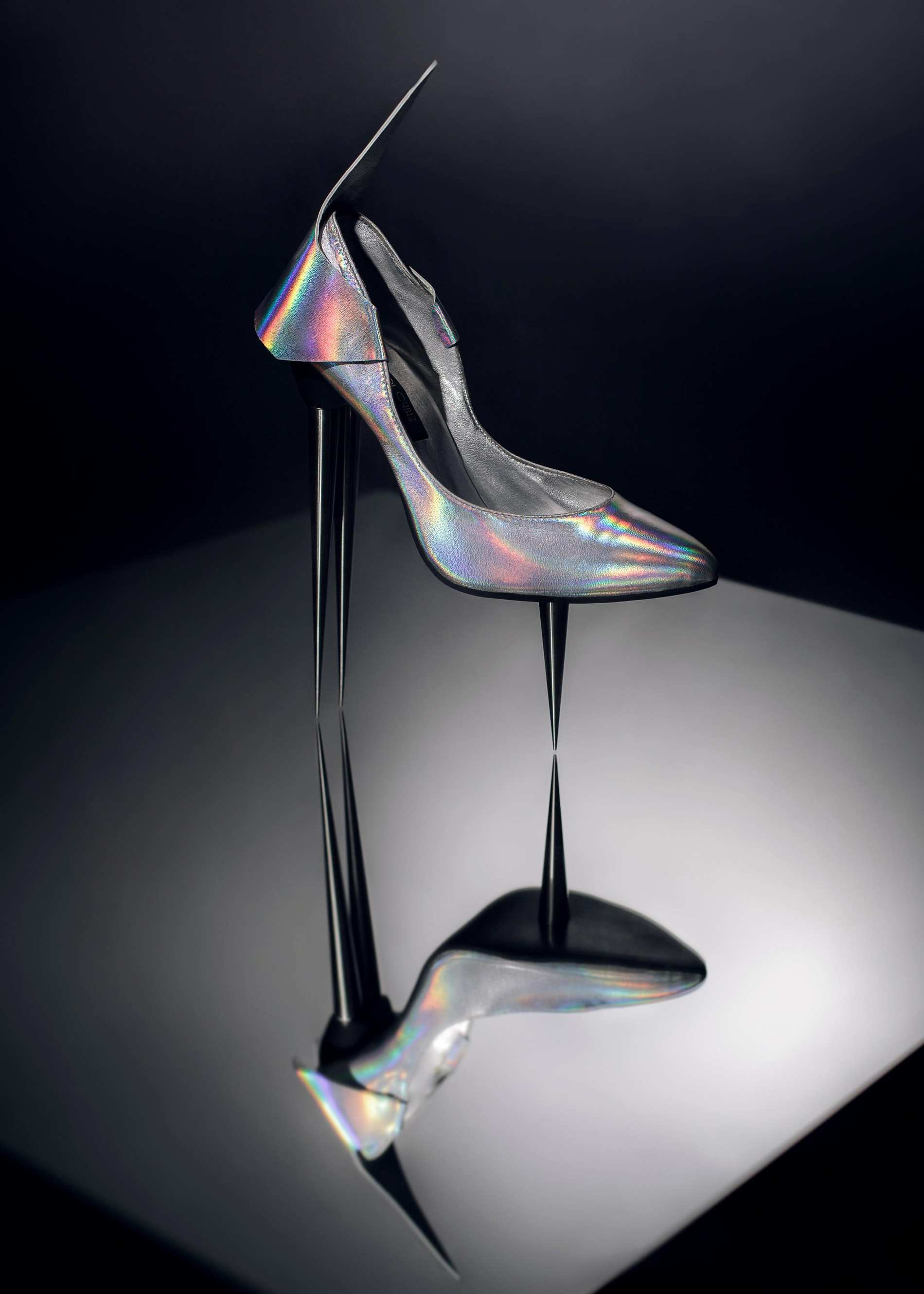 Avantgarde women's shoe design