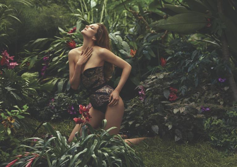 Almighty Magazine Photographers Sebastian Faena-