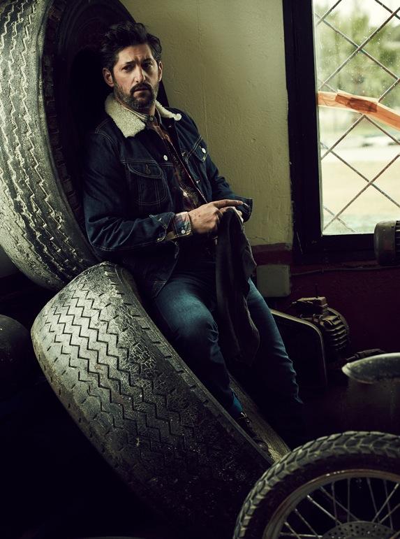 Helix Magazine, Photographers SERGI PONS